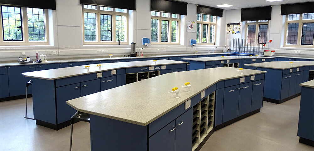 Hymers-Website-Facilities-Physics+lab.jpg