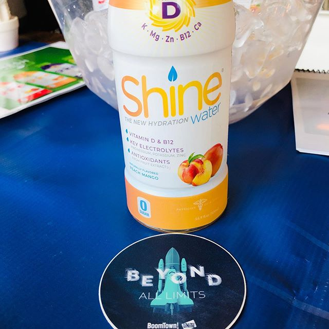 Enjoyed sharing Shine with the great folks at @boomtownroi  Power through your workday with healthy hydration 💪🏻☀️ #electrolytes #nosugar #thenewhydration #chs #borntoshine #fuelyourlife
