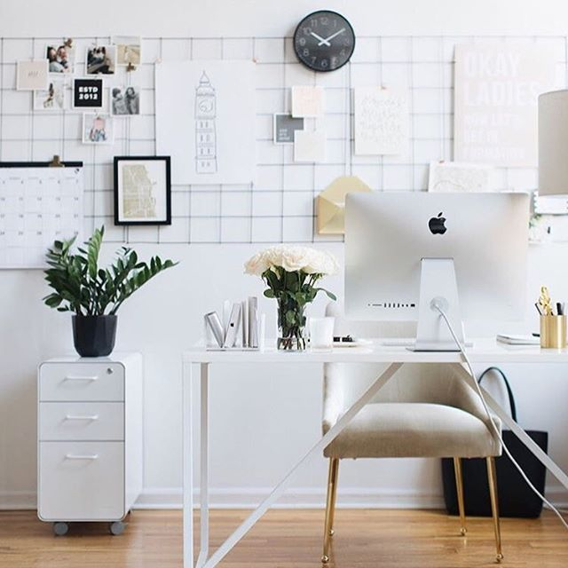Need some help when it comes to rearranging your office space? Well you're in luck! You can go check out our latest podcast episode, where you can hear all about this topic from the fabulous @peytonfrank! We're excited for you to hear all that she has to say! Pc: @theeverygirl_  #sheandcompany #smallbusinessowner #girlboss #fempreneur #podcasting #podcaster #beingboss #goaldigger #sheandcopodcast #toppodcast2018 #bestnewpodcast #marketingpodcast #businesspodcast #featuredpodcast #flashesofdelight #thehappynow #pursuepretty #therisingtidesociety #risingtide #entrepreneur