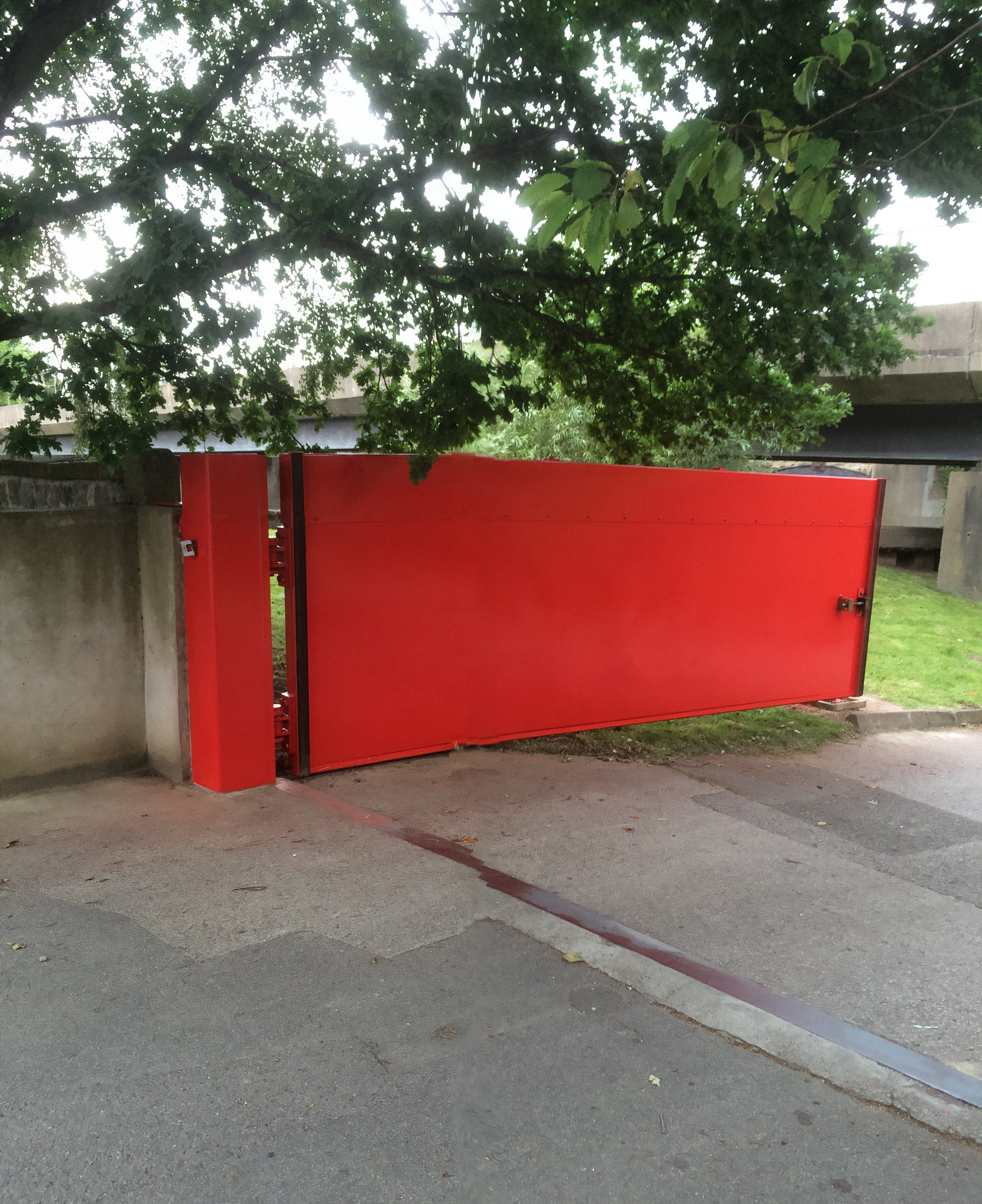1st defence fabrications Ltd red flood gate 2
