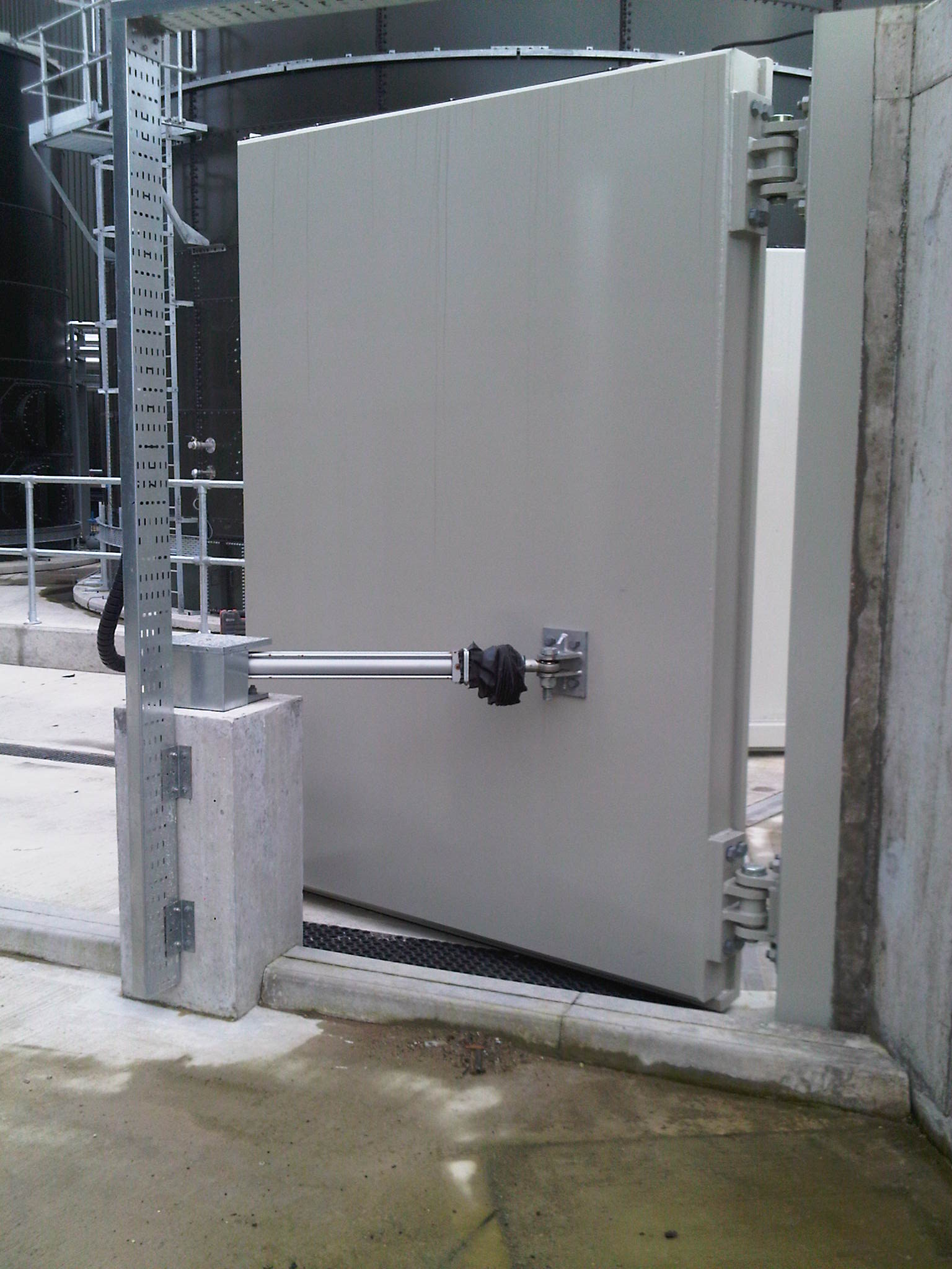 1st defence fabrications Ltd bund gate 6