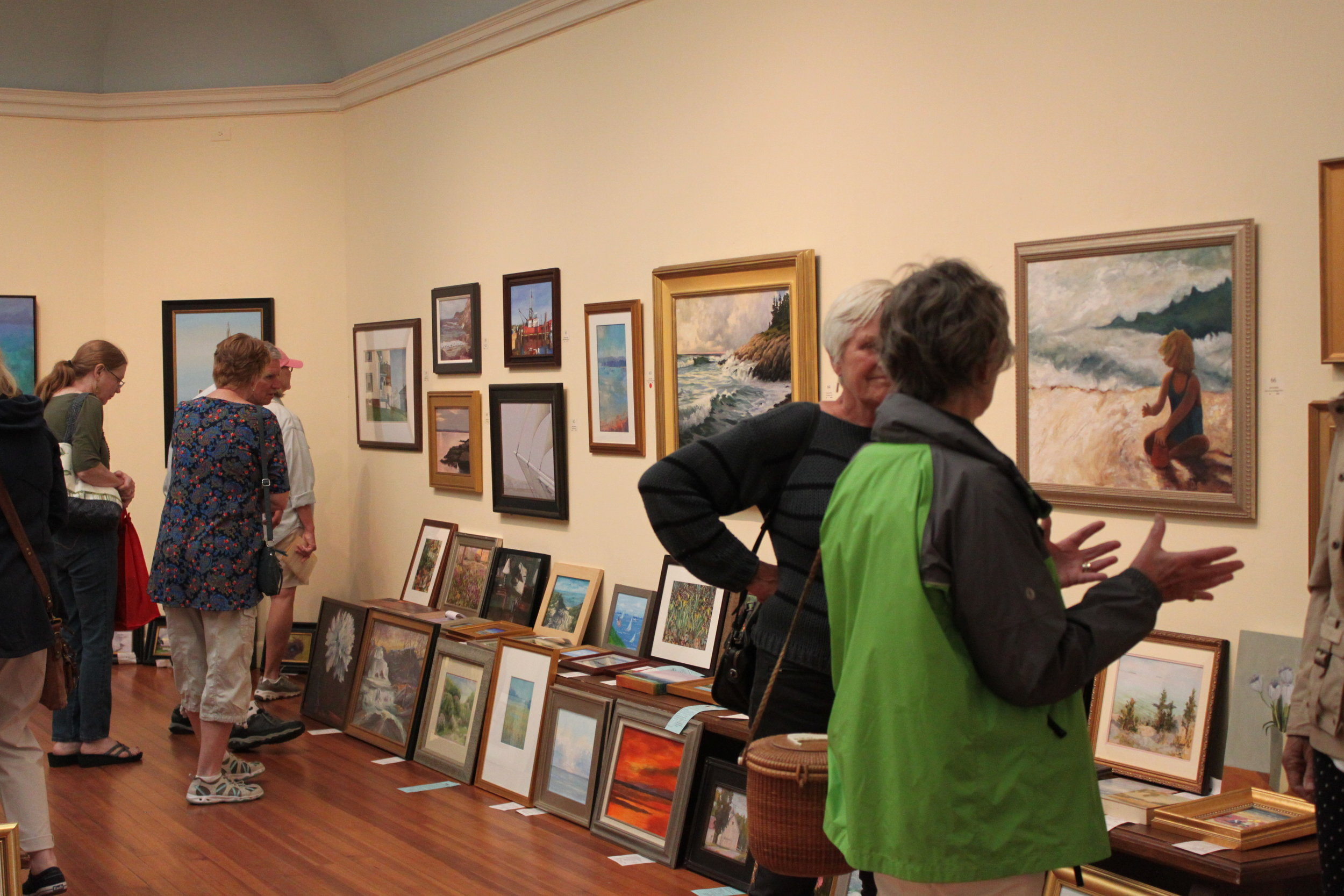 Art Sale & Specialty Vendors - On the front lawn of the Lyme Art Association, you'll find art for sale by its Association Members as well as specialty vendors. Indoors, you'll enjoy the annual Marine Art show. Open 10am-4pm.
