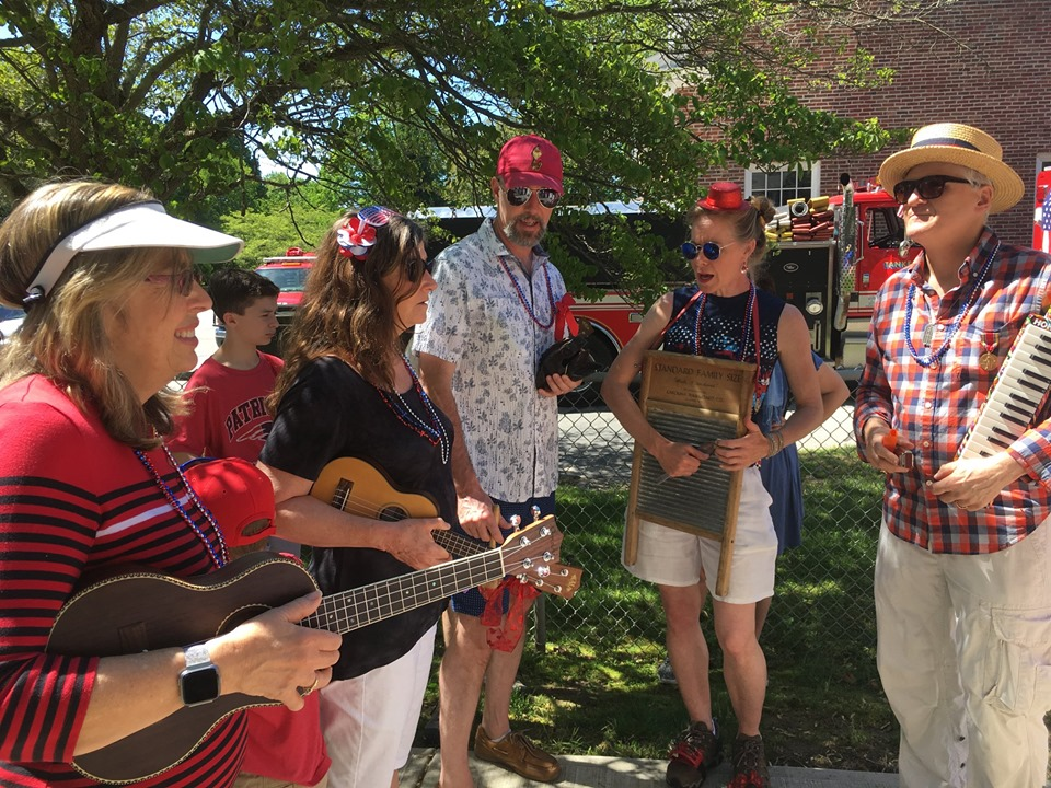 Join the Ukulele Parade!