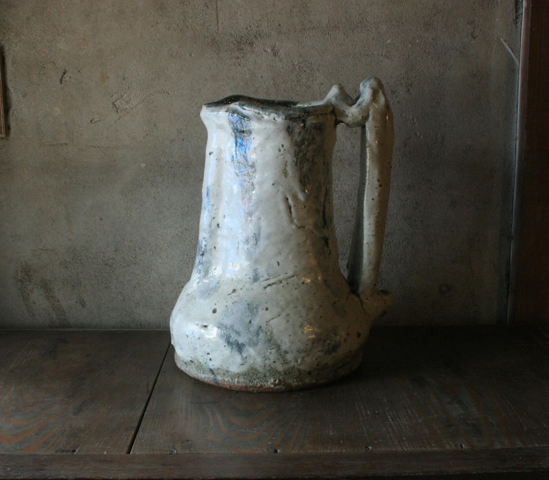 vase with handle 24cmx34cm.jpg