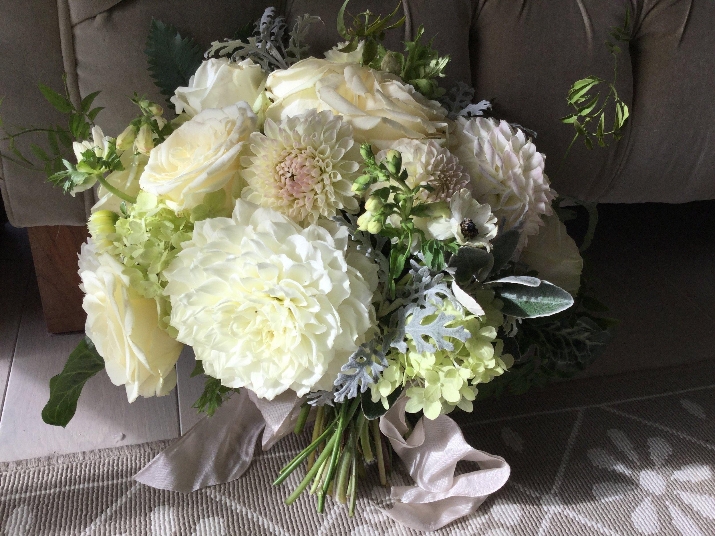 dahlia bouquet. hintlesham hall