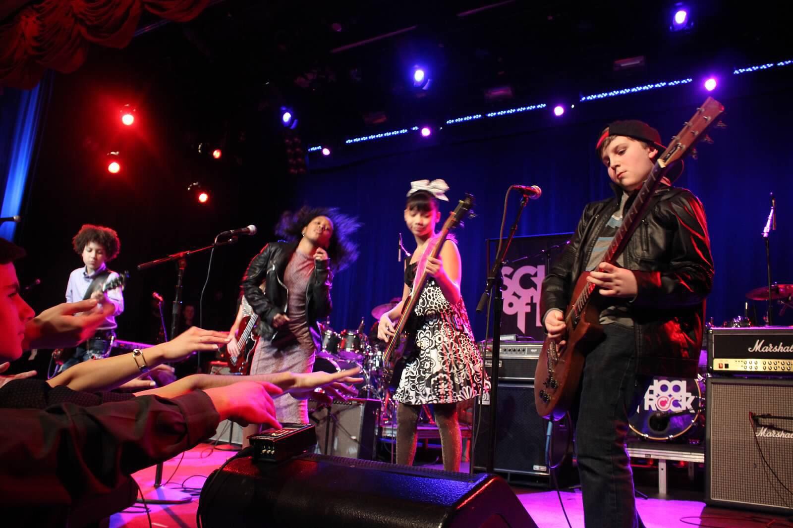 Jersey-Sullivan_hard-rock-cafe-benefit-guitar-2.jpg