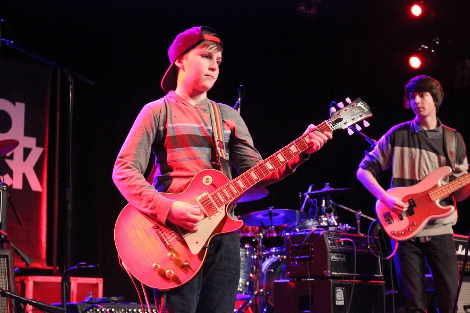 Jersey-Sullivan_hard-rock-cafe-benefit-guitar-3.jpg