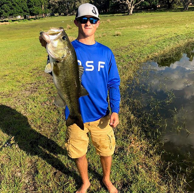 High school angler @jakegonewild_ with a beautiful 7 pound largie rocking his green mirror lenses with gt frames!