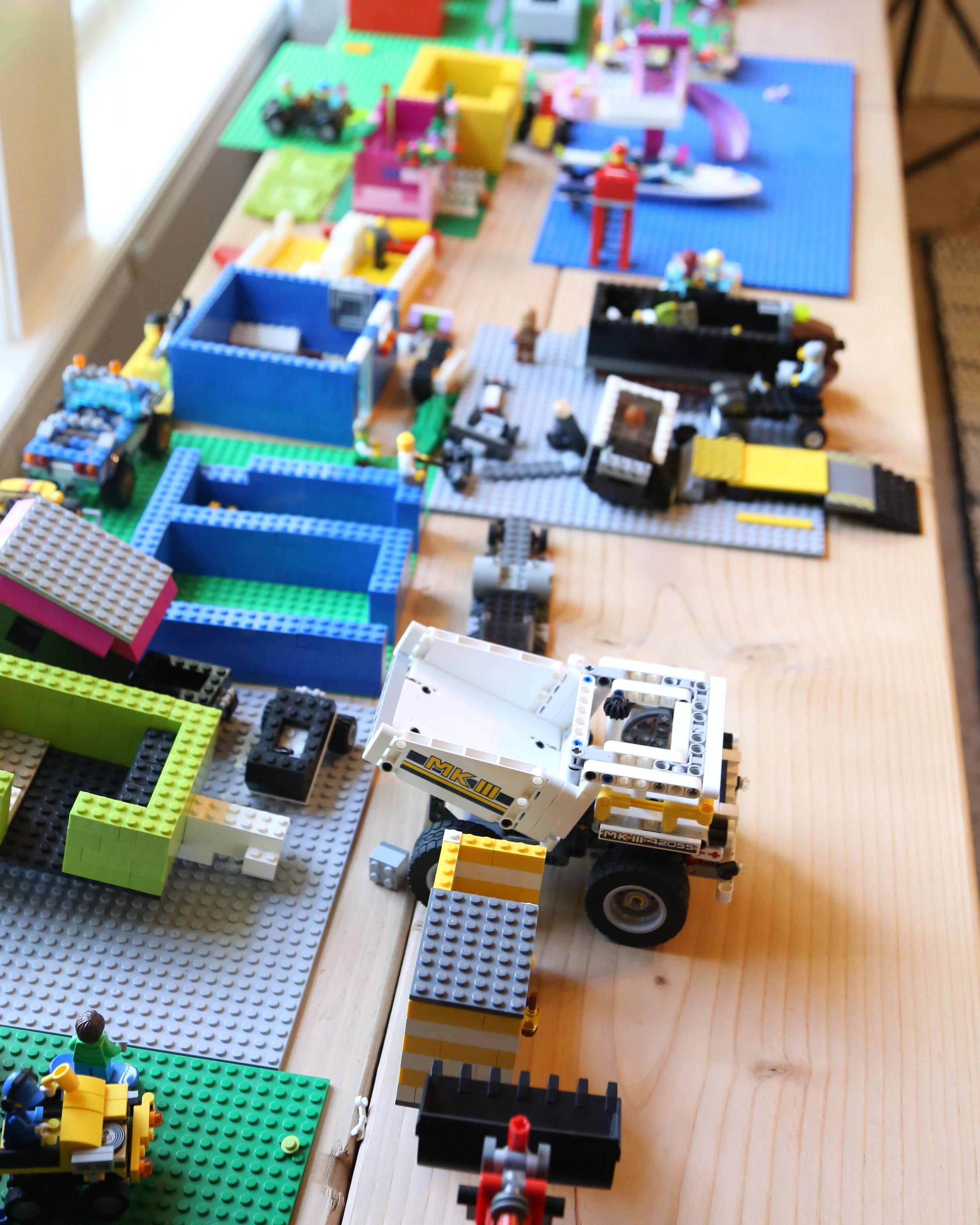 Legos.jpg