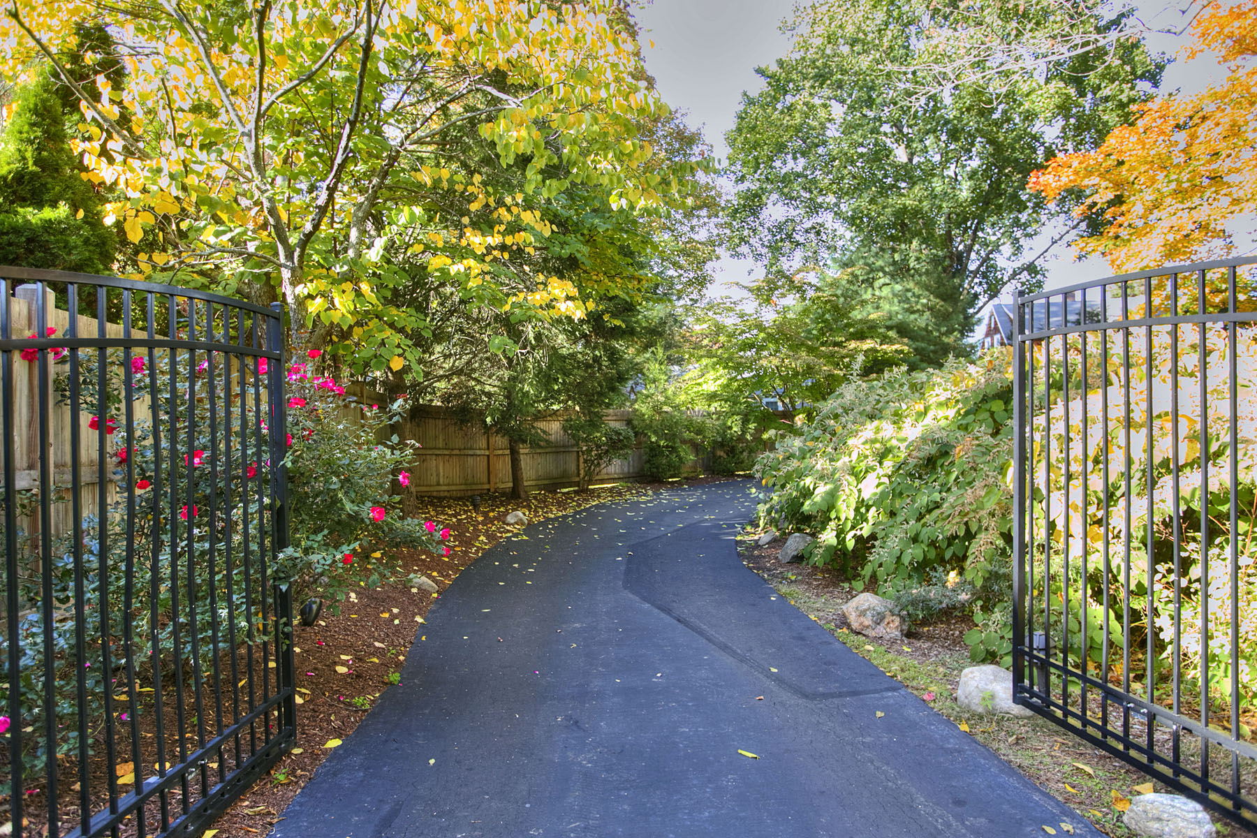 gated-entrance_8110.jpg