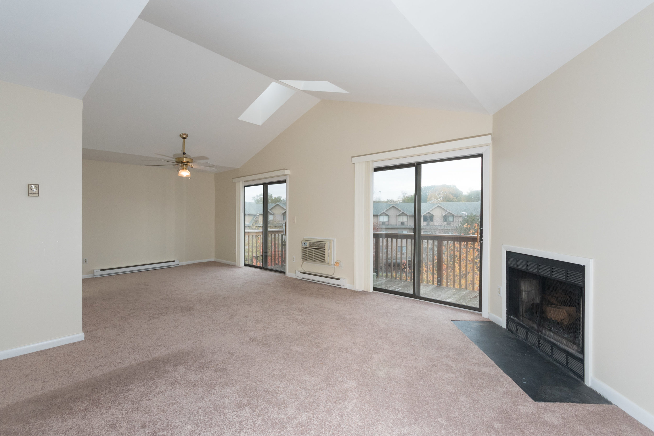 *97 Richards Ave Unit B8-LivingDining Room.jpg