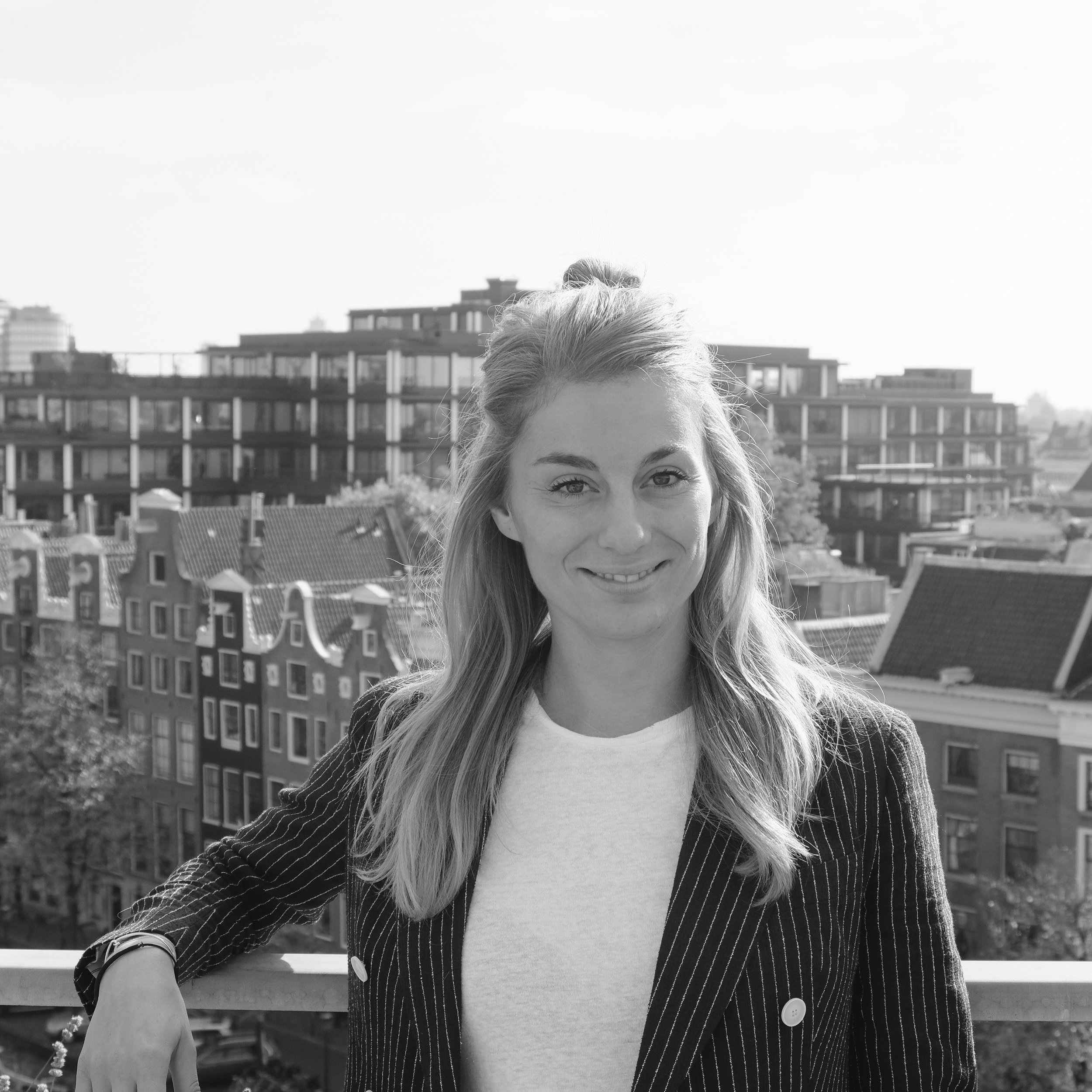 Eline Botter - Legal and Operations    Let's Connect!