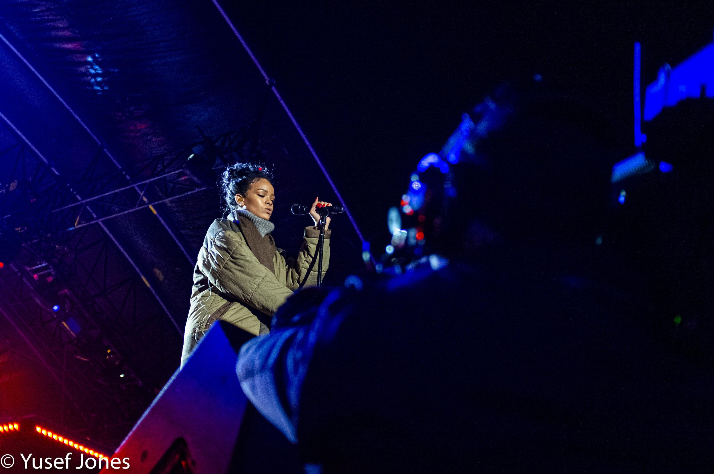 Rihanna Valor concert #3.jpg