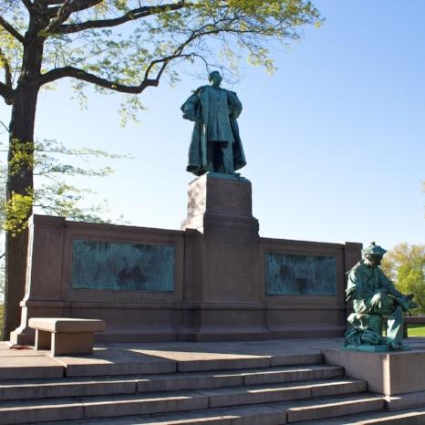 Samuel Colt Park Statue.jpg