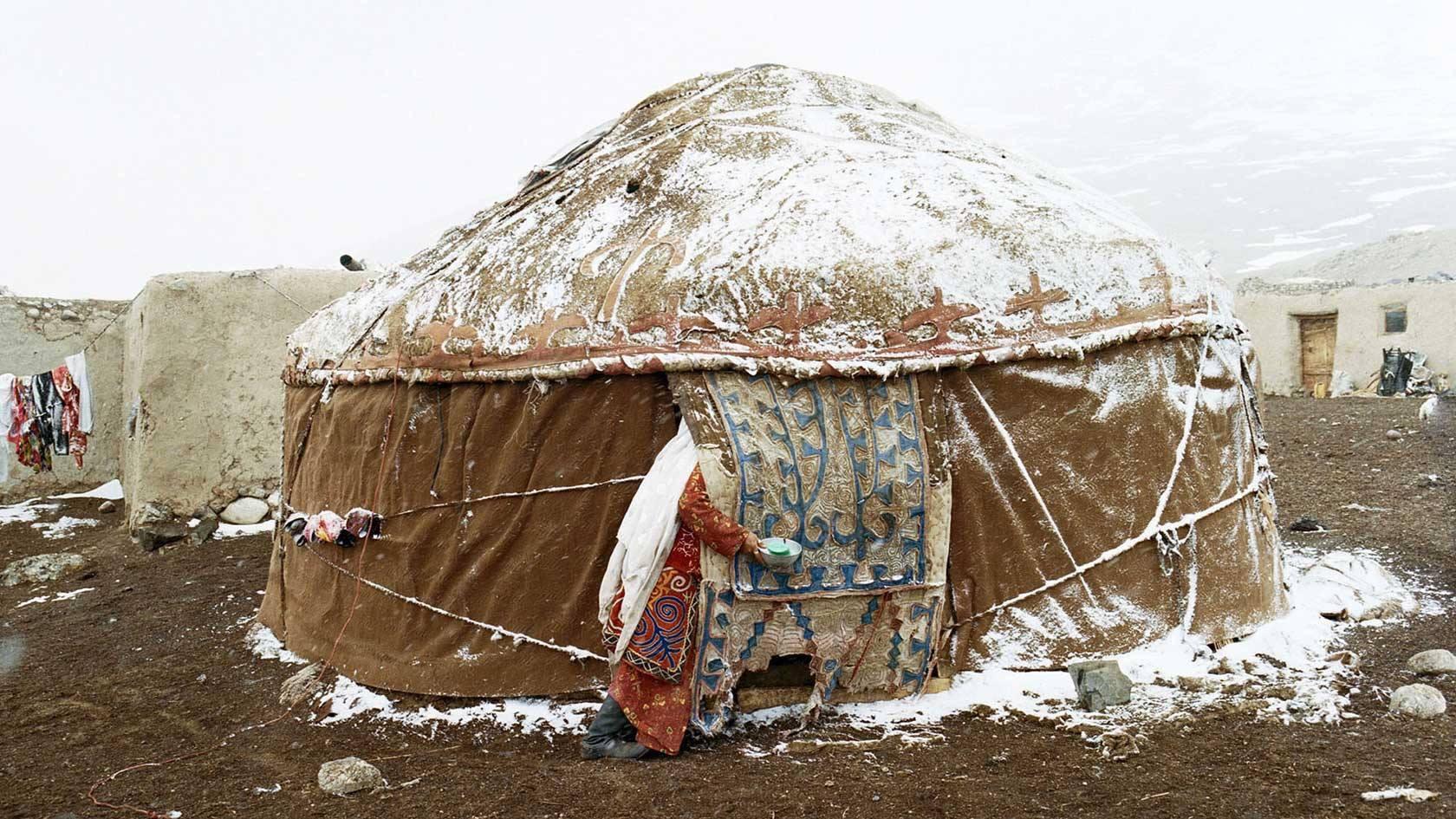 Winter yurt.jpg