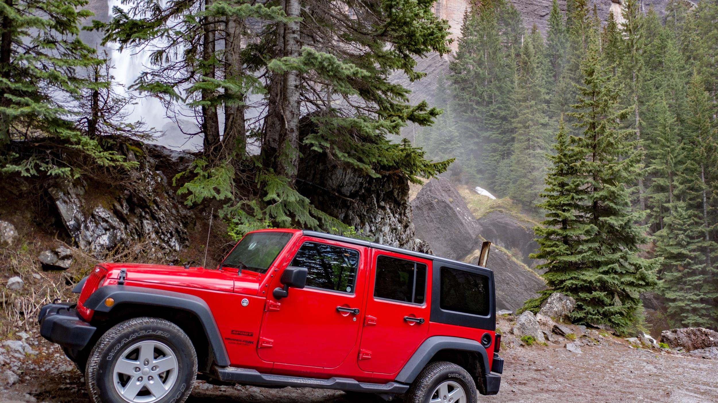 Jeep-BridalVeilFalls.jpeg