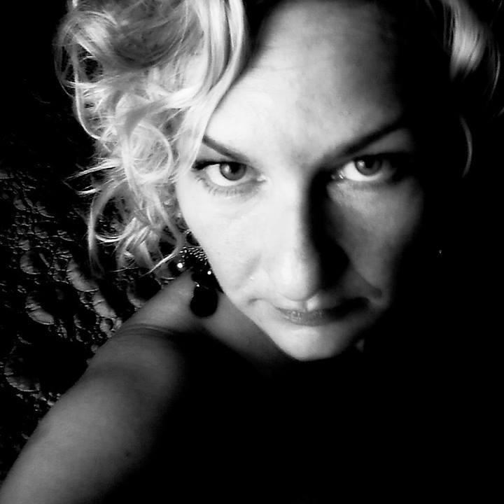 Anna Greta / Writer