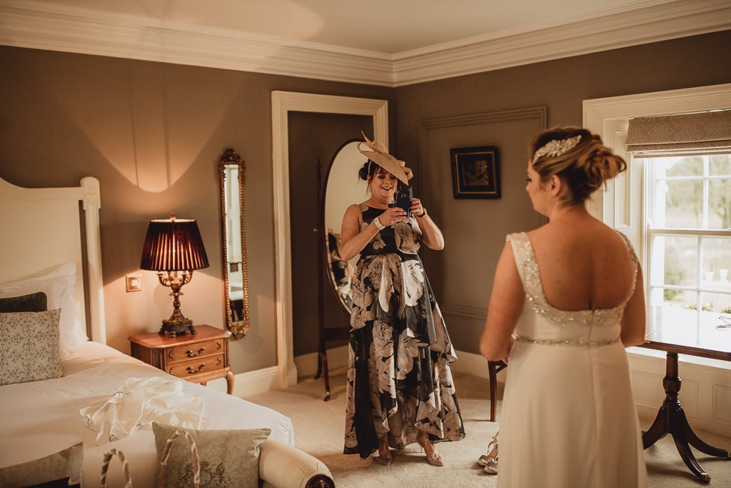 clonabreany house bride and her mother getting ready
