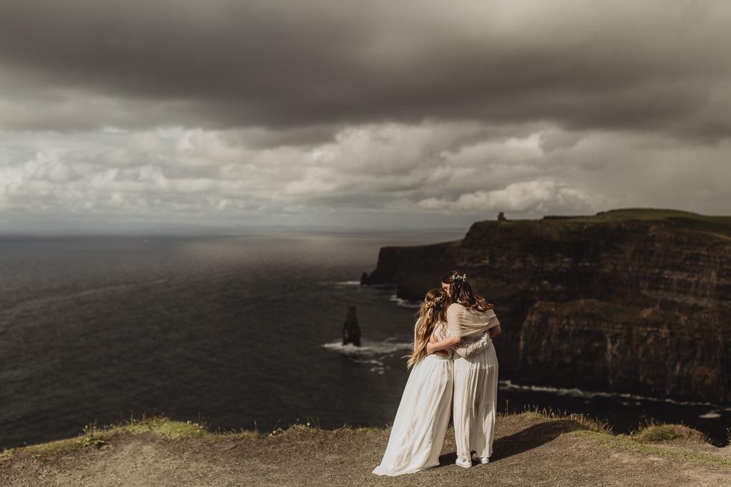cliffs of moher wedding-2.jpg
