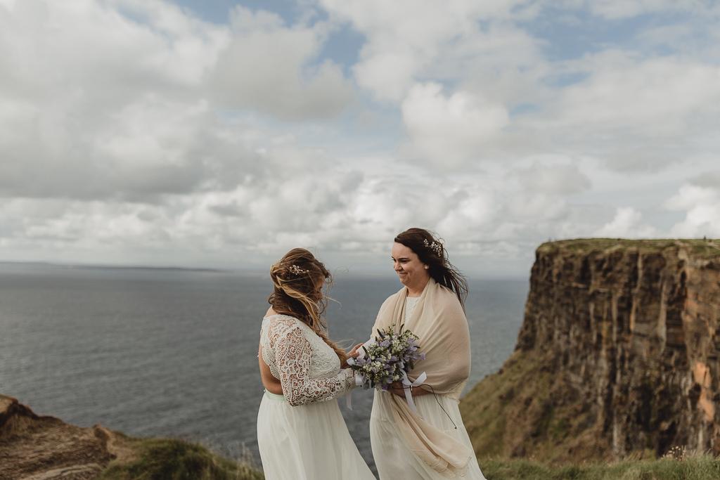 cliffs of moher wedding-8.jpg