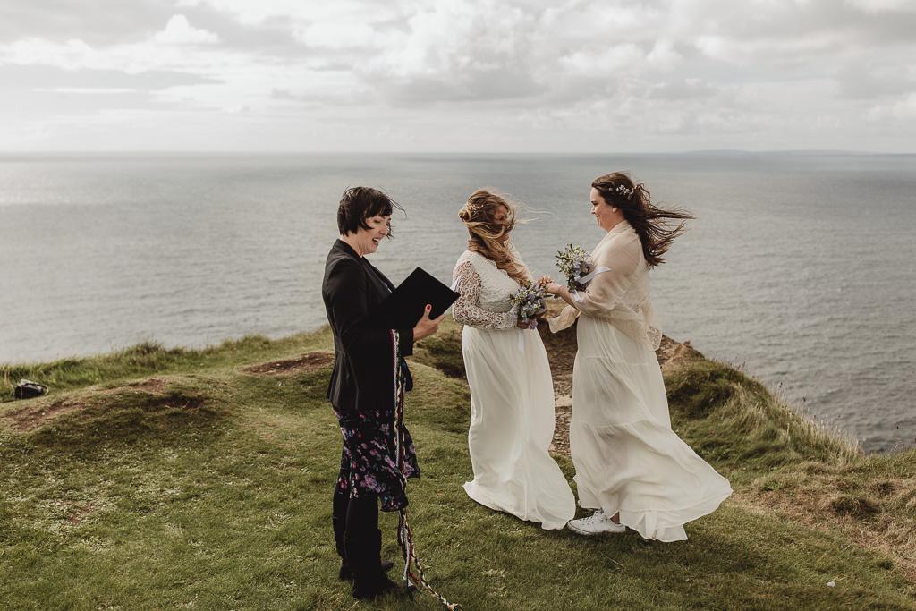 cliffs of moher wedding-12.jpg