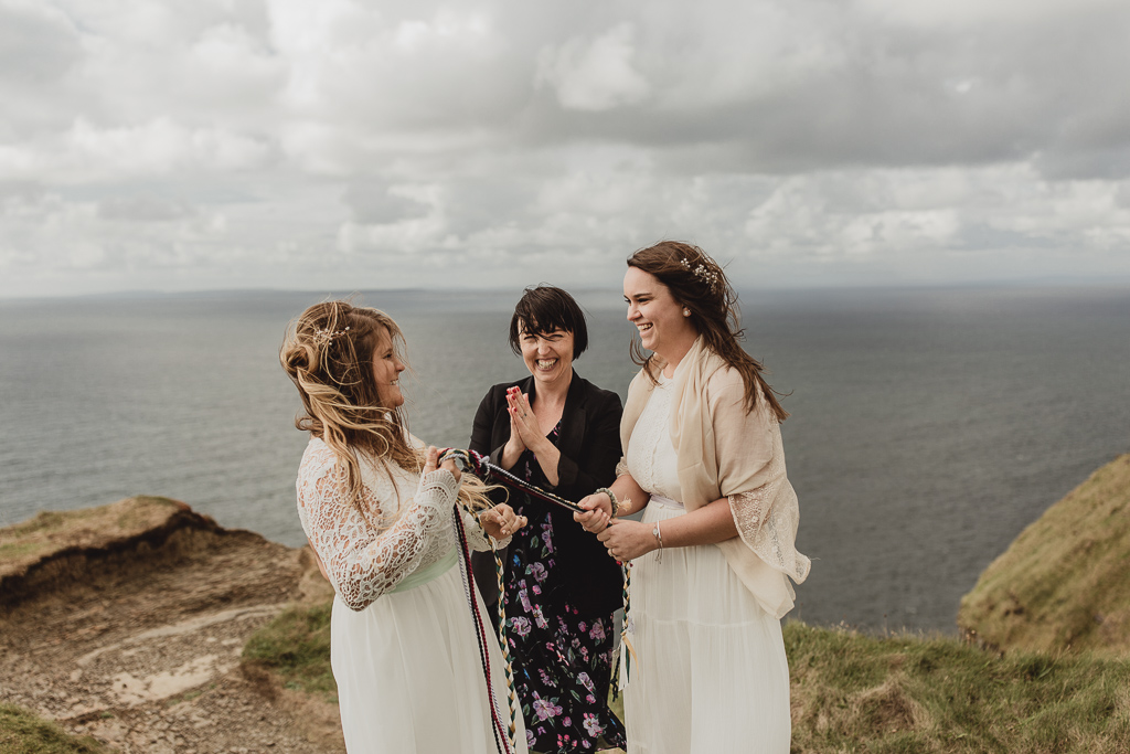 cliffs of moher wedding-15.jpg