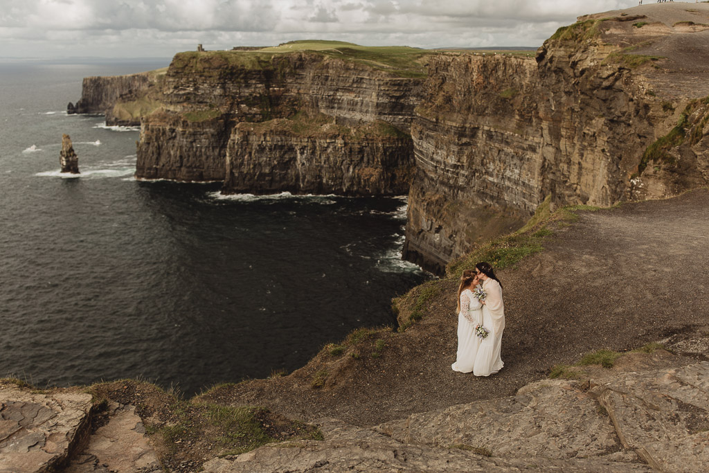 Eloping in Ireland. Cliffs of Moher wedding