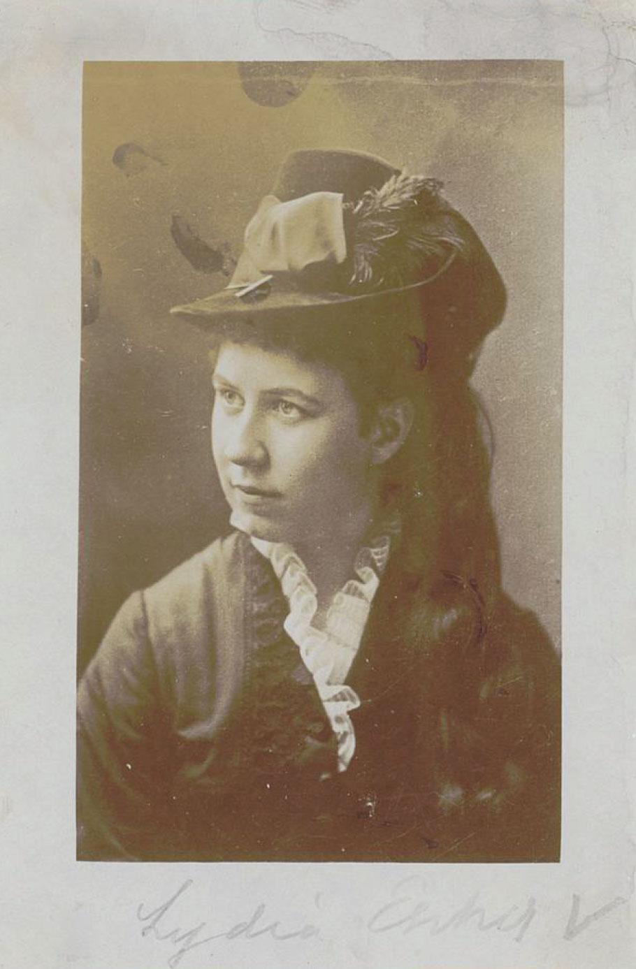 Lydia Escher, um 1875. Foto: e-manuscripta