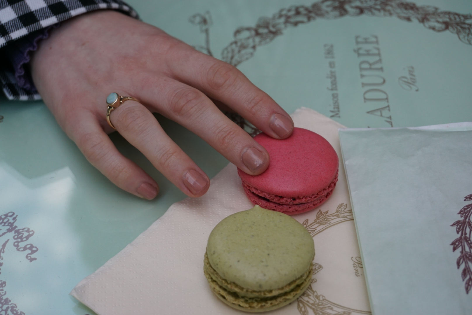 Pit-stopping at Ladurée on Rue d'Antibes