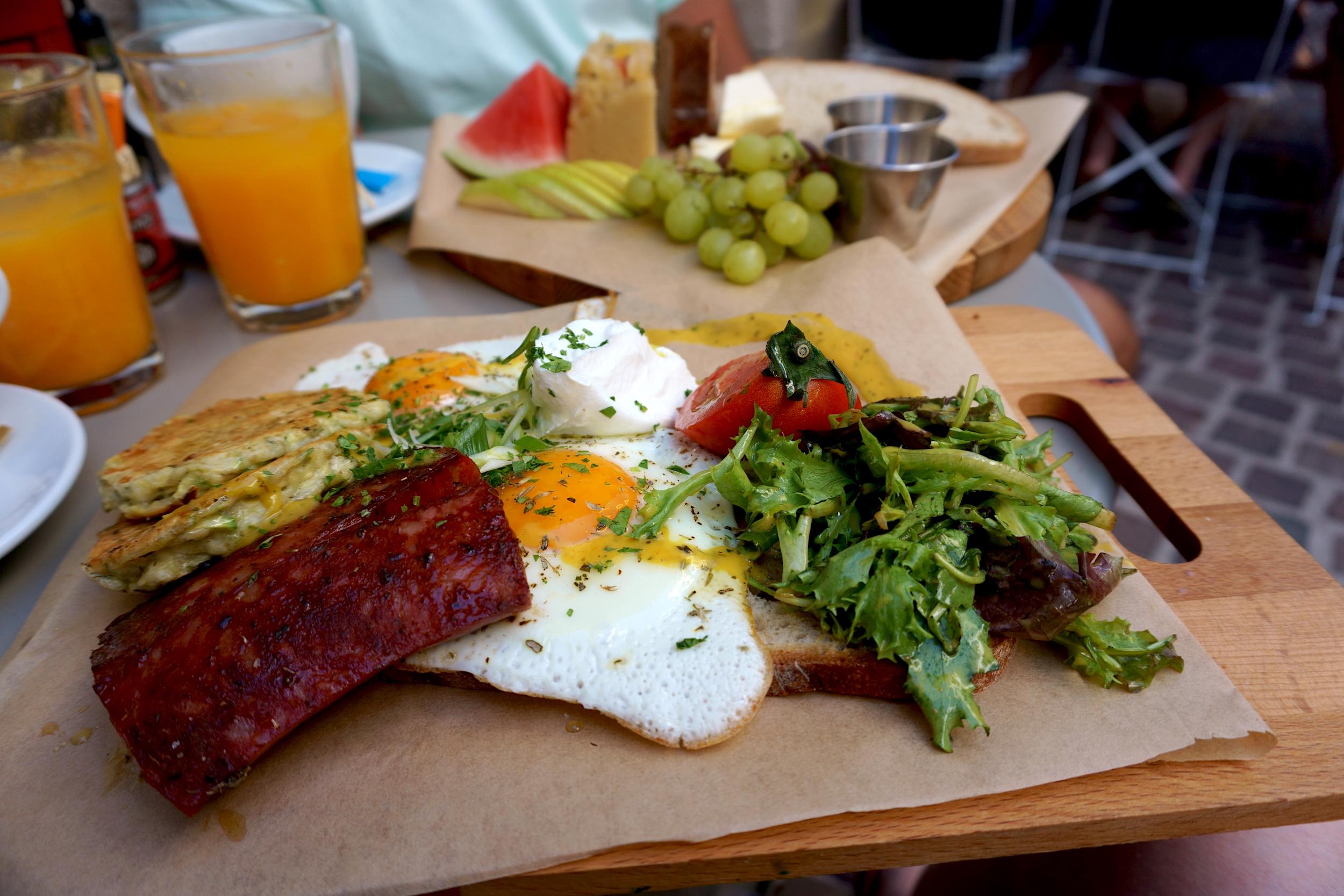 Breakfast-at-Phyllo.JPG