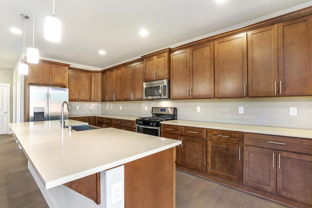 Brookstone-Amber-Kitchen.jpg