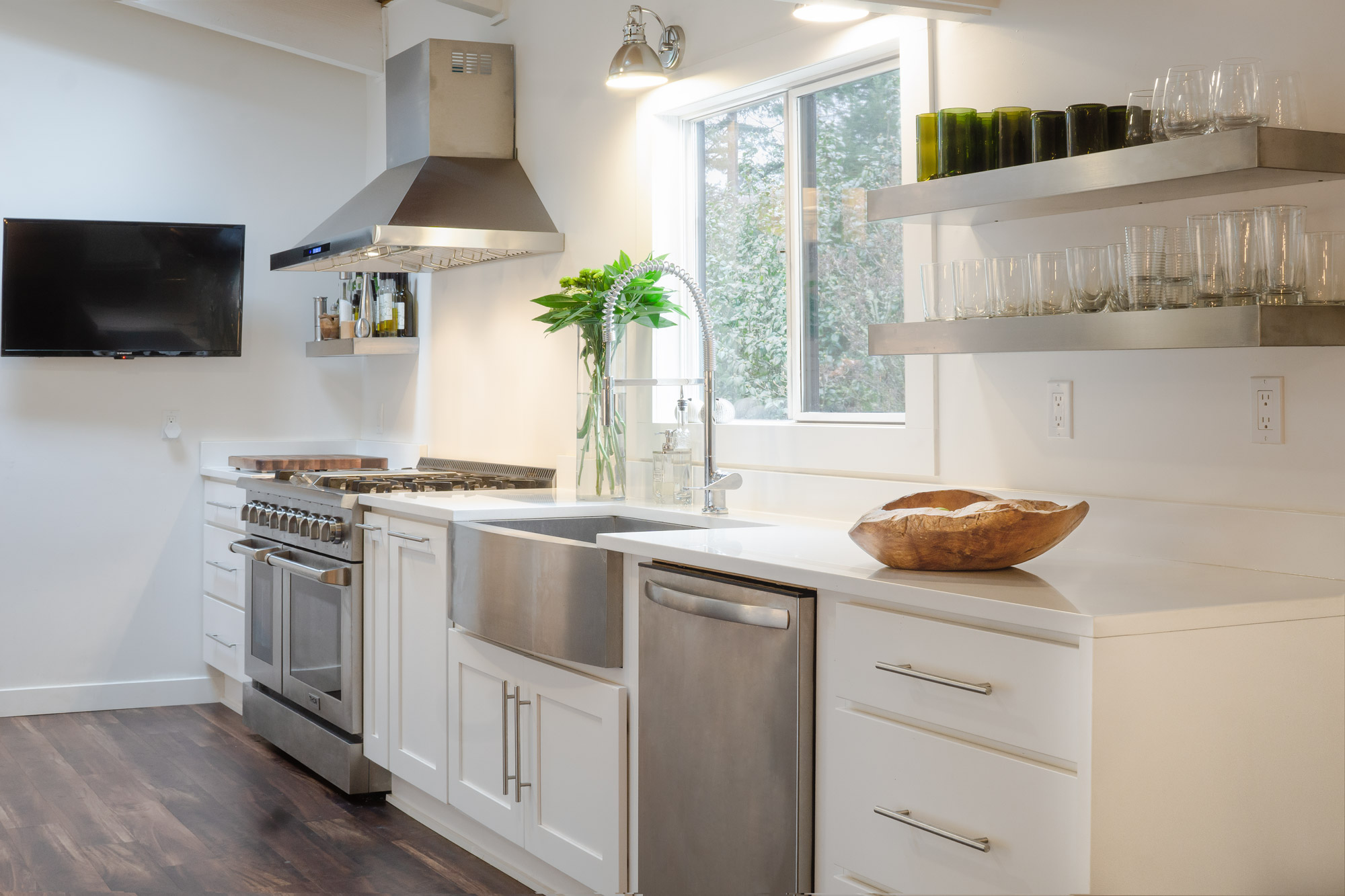 Design Highlight The Modern Galley Kitchen Founder S Choice Kitchen Cabinets Countertops