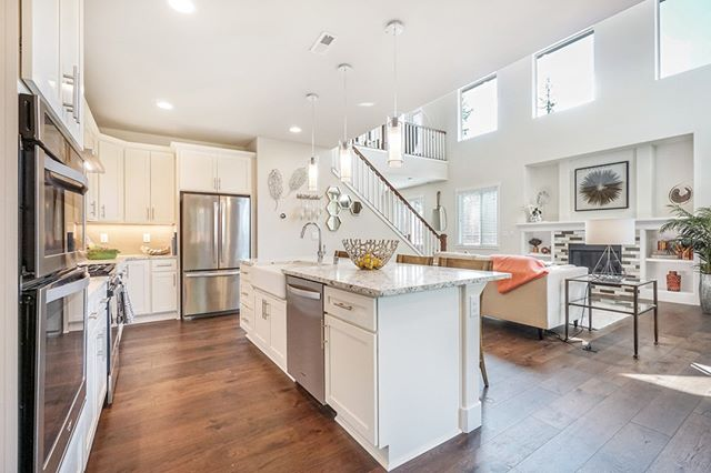 Reinvent your kitchen - Your kitchen designer not only works with the layout of your space, they work one on one with our dedicated engineers throughout the entire process.