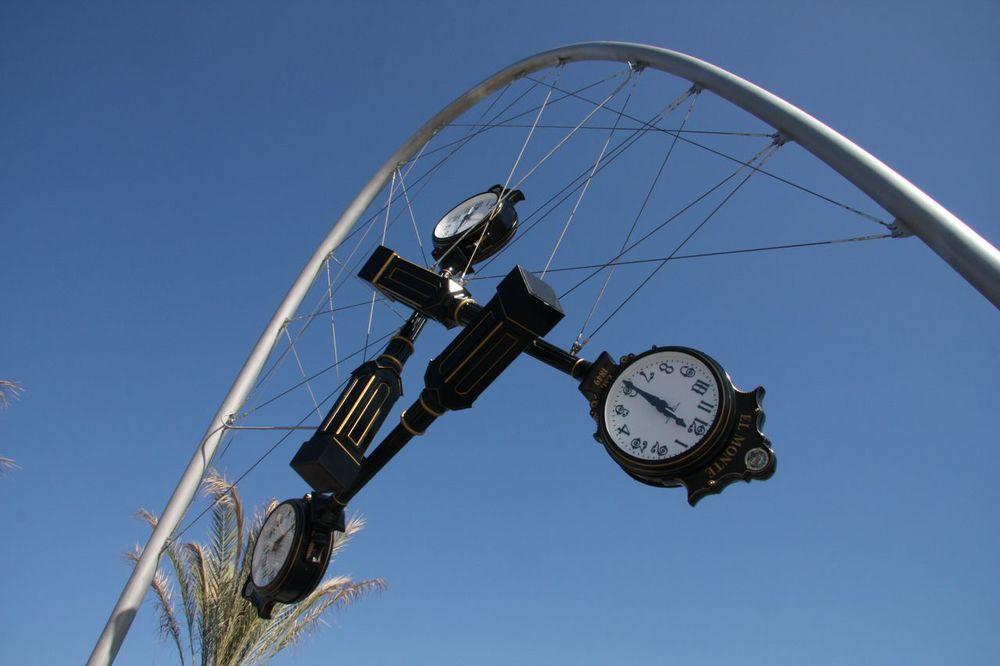 el monte_time piece_donald lipski_public art services_j grant projects_6.jpg