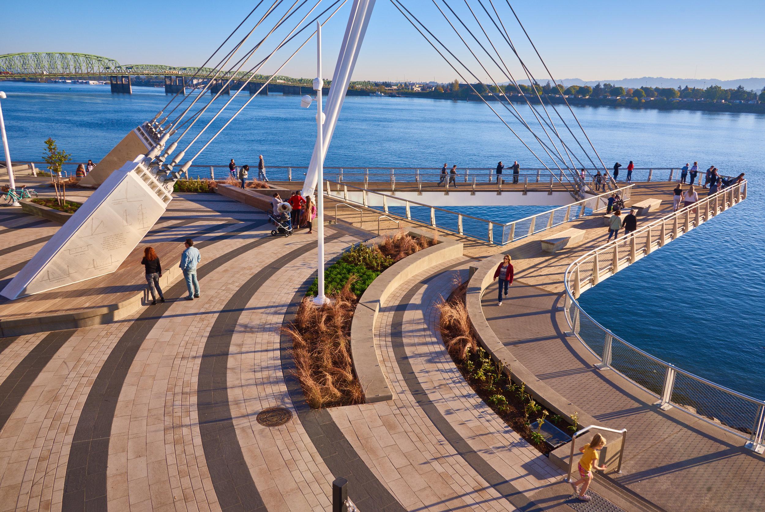vancouver_waterfront park pier_larry kirkland_public art services_j grant projects_38.jpg