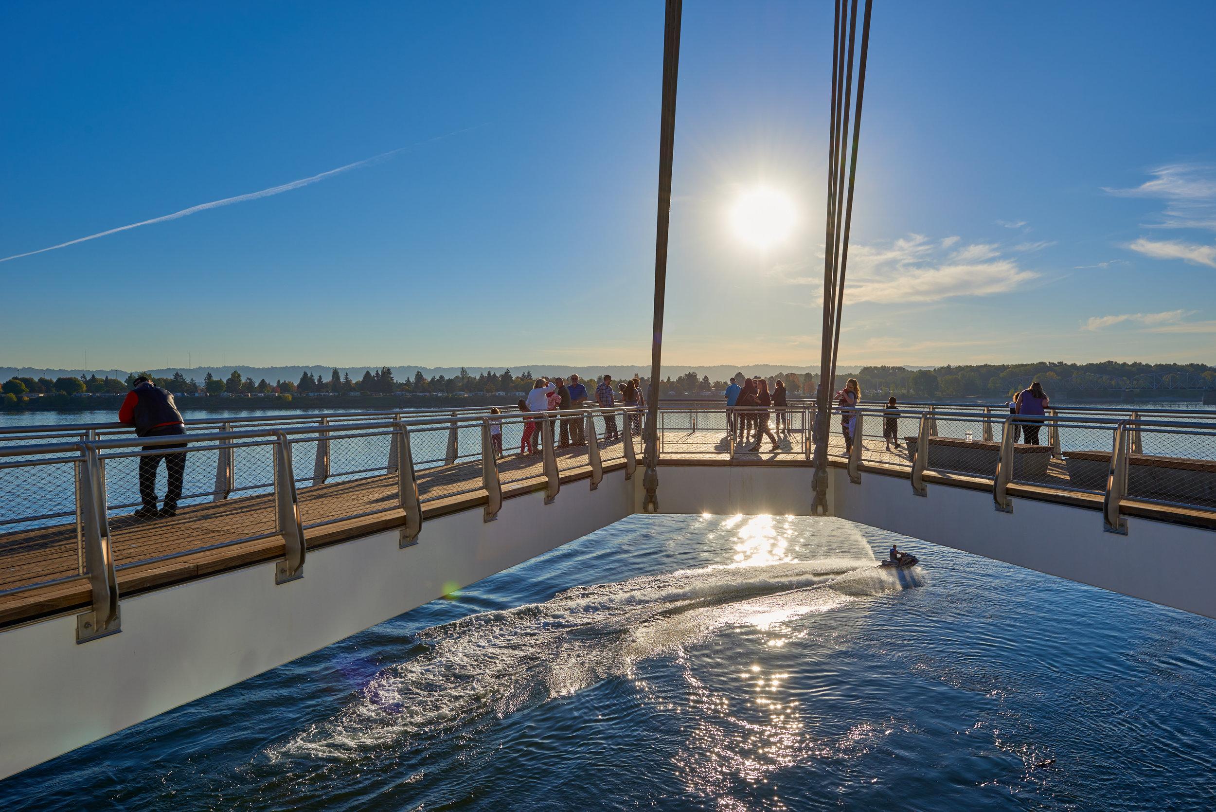 vancouver_waterfront park pier_larry kirkland_public art services_j grant projects_39.jpg