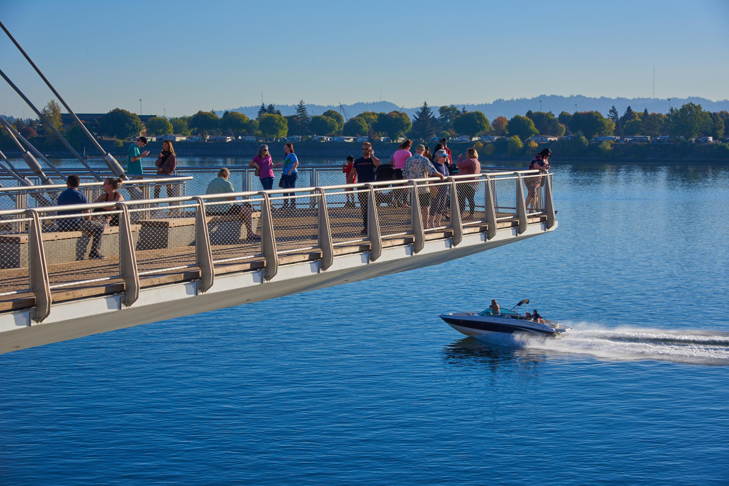 vancouver_waterfront park pier_larry kirkland_public art services_j grant projects_42.jpg