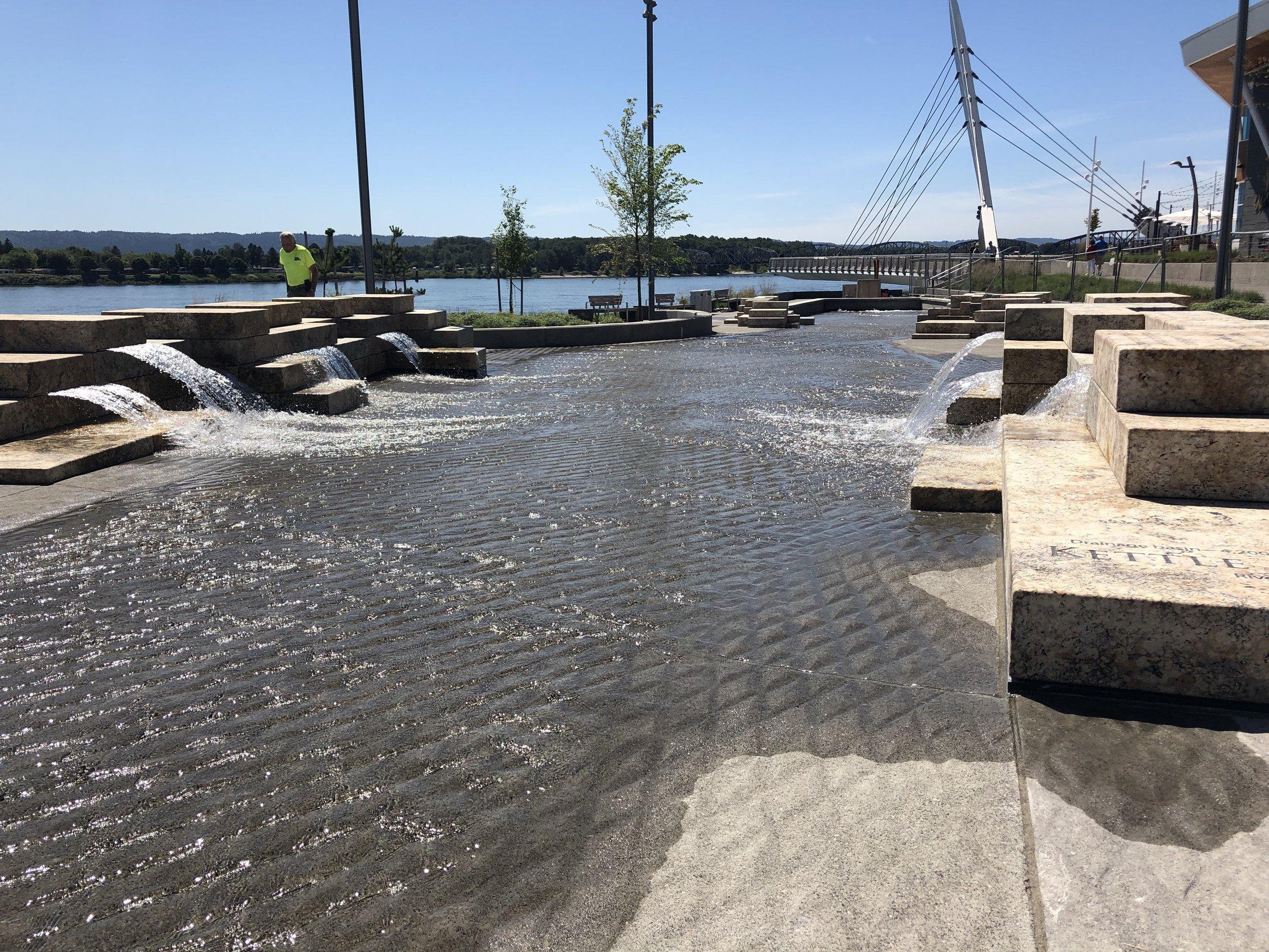 vancouver_waterfront park fountain_larry kirkland_public art services_j grant projects_17.jpg