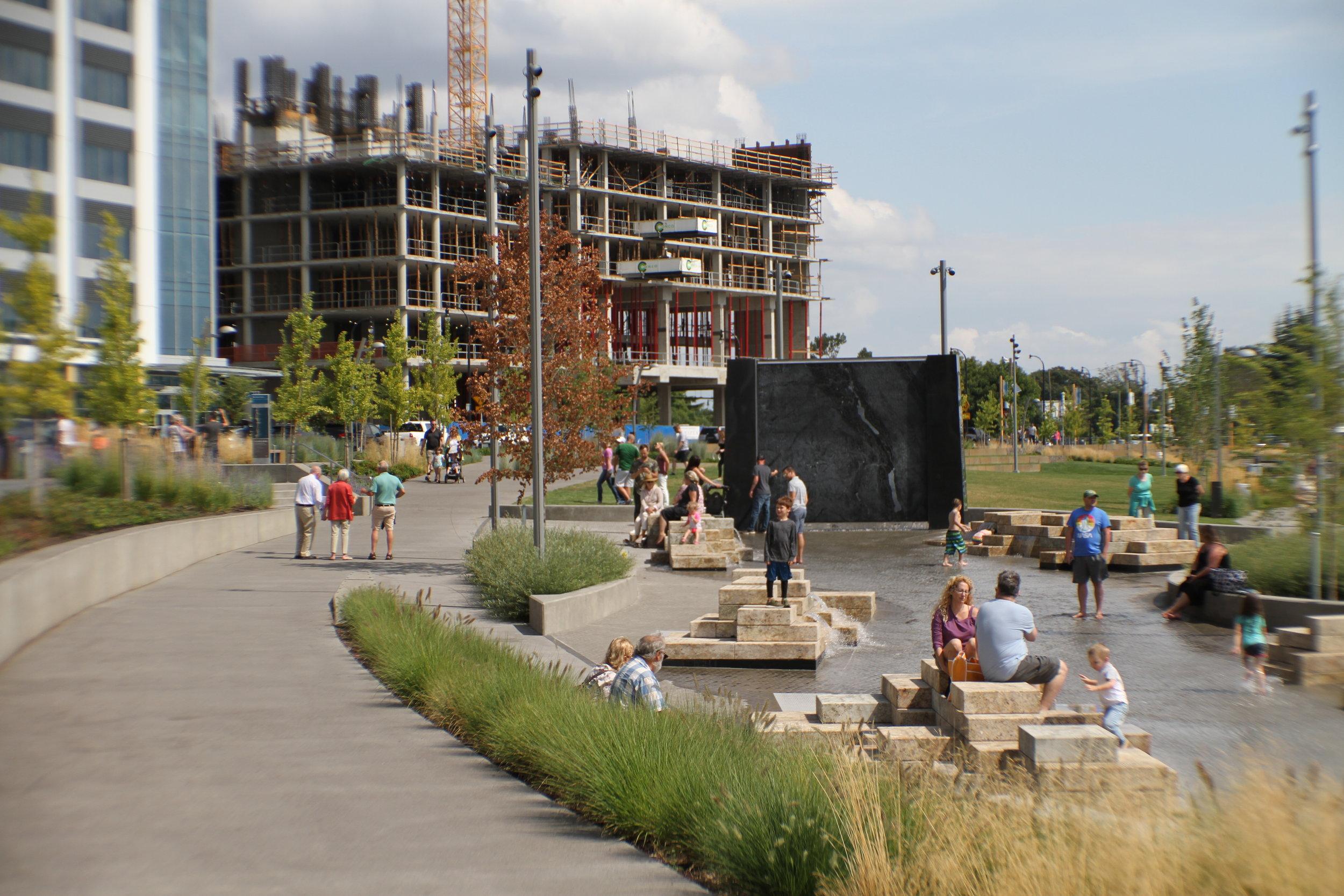 vancouver_waterfront park fountain_larry kirkland_public art services_j grant projects_25.JPG