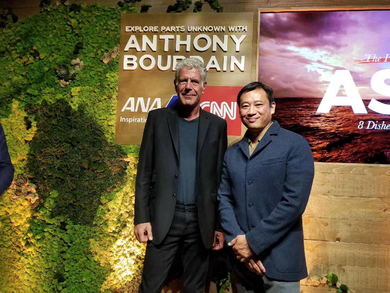 Anthony Bourdain and Desmond Tan