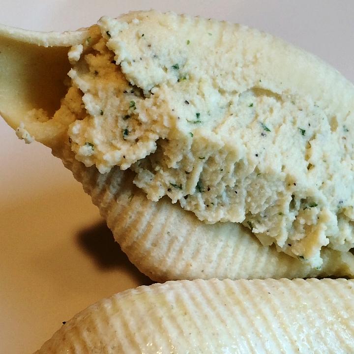 Four Cheese - Ricotta, Mozzarella, Parmesan & Romano   58 Pcs @ 2.75 Oz = 10 lb.  Jumbo Sea Shell Shaped Pasta Stuffed with Ricotta, Mozzarella, Parmesan and Romano Cheese.