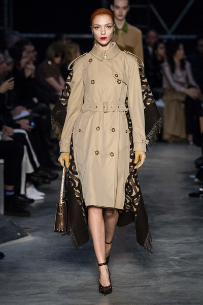 Burberry+Prorsum+Fall+2019+r5APUa8nS2al.jpg