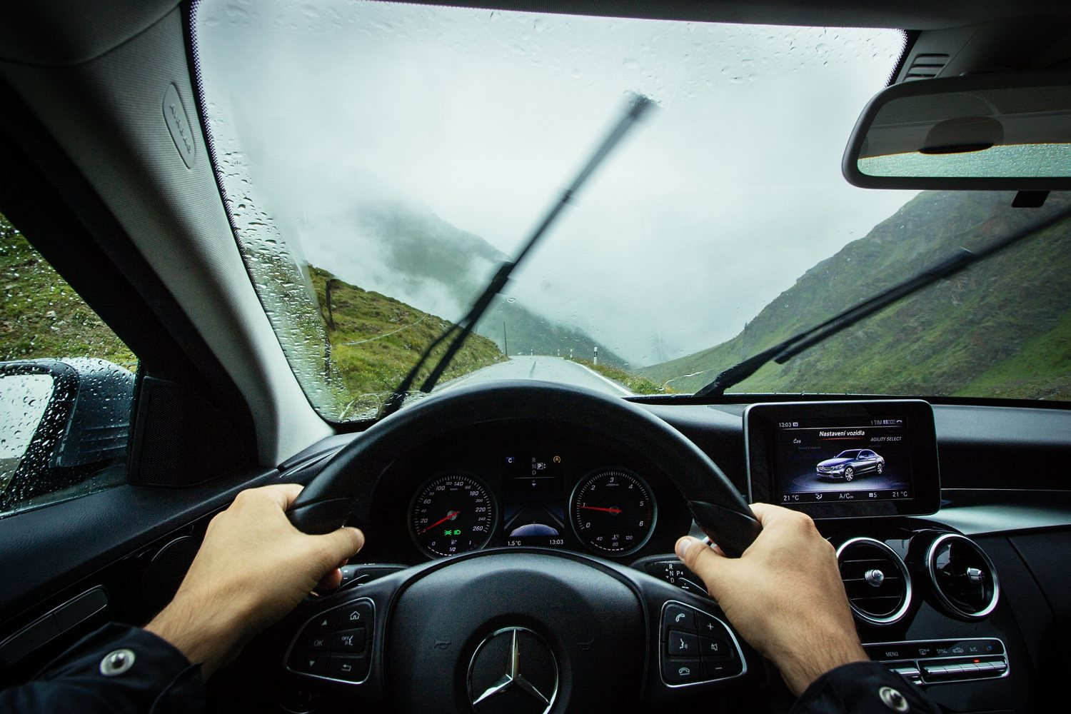 The Role of Smart Devices in the Modern Automotive Experience.jpg