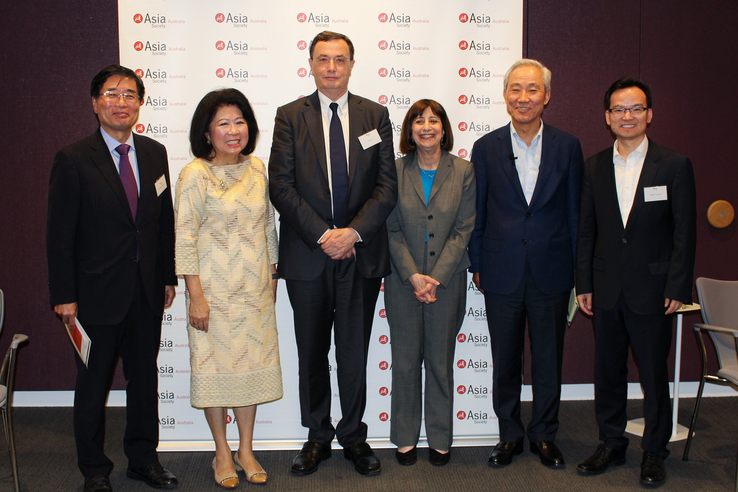 From left: Ambassador Yoichi Suzuki, Dr Mari Pangestu, Peter Grey, Wendy Cutler (Chair), Kim Jong-Hoon, Professor Tu Xinquan during their week-long visit to Australia. (Source: Asia Society Policy Institute)