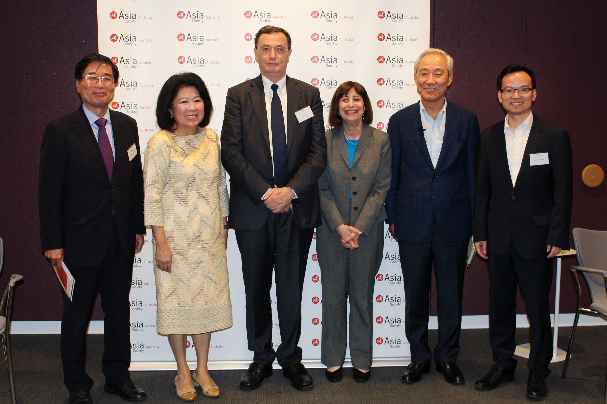 From left: Ambassador Yoichi Suzuki, Dr Mari Pangestu, Peter Grey, Wendy Cutler (Chair), Kim Jong-Hoon, Professor Tu Xinquan during their week-long visit to Australia. (Source: Asia Society Policy Institute)