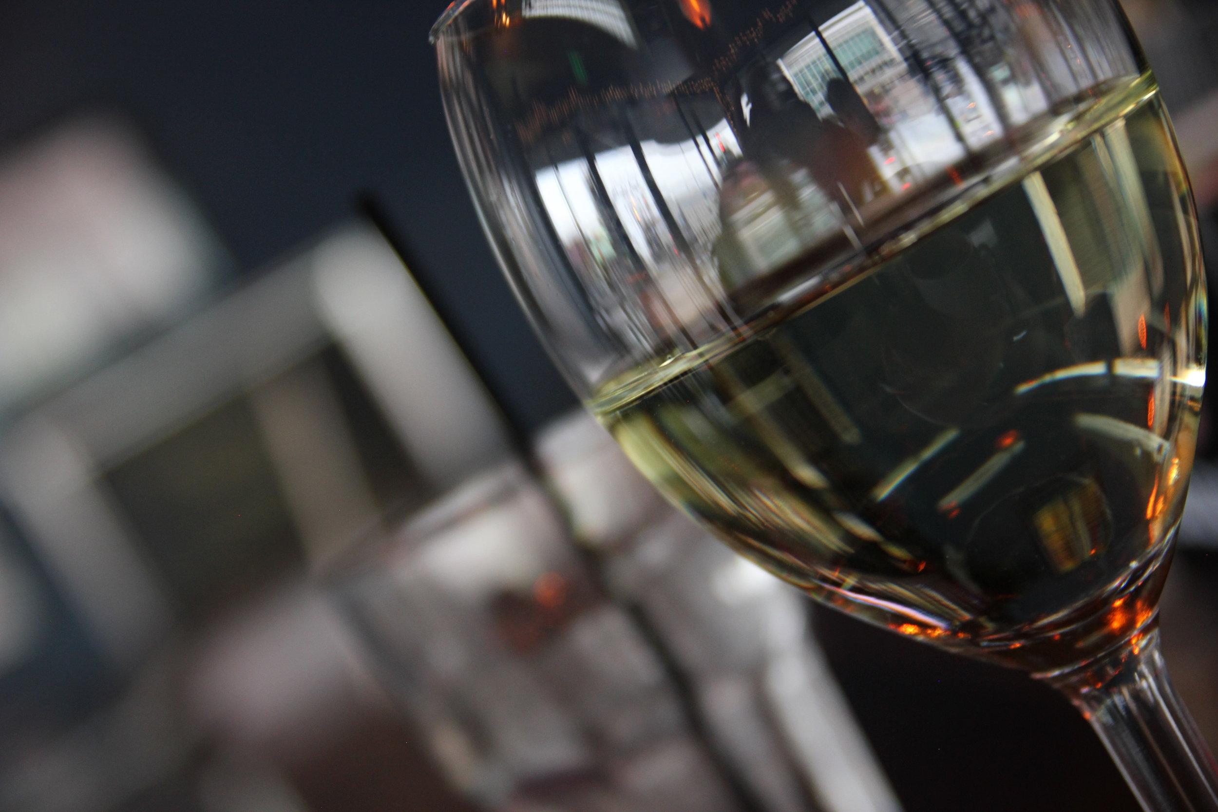 WINE - (GLASS/BOTTLE)