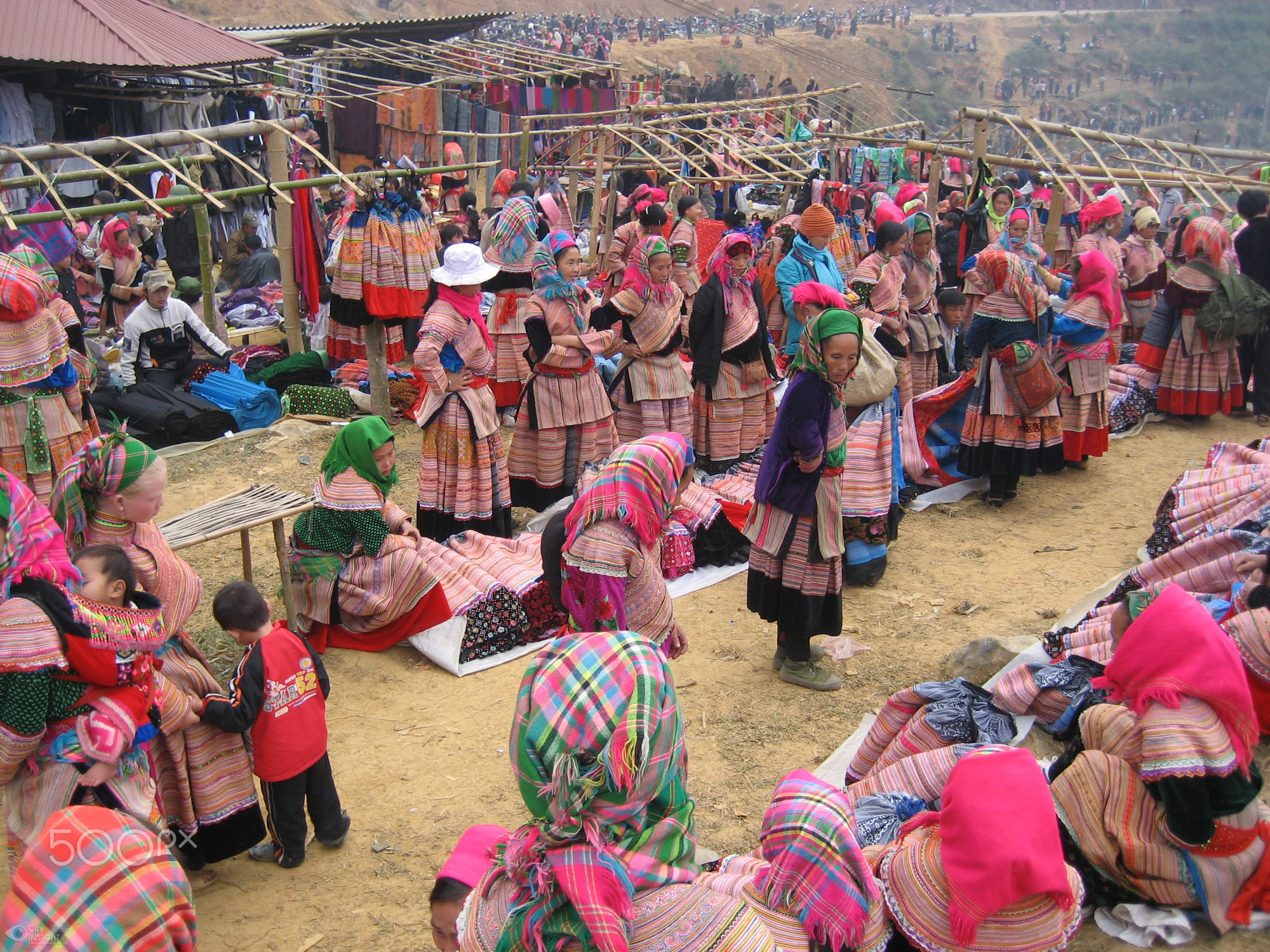 Image sourced from 500px. The vibe at the Sapa Markets.