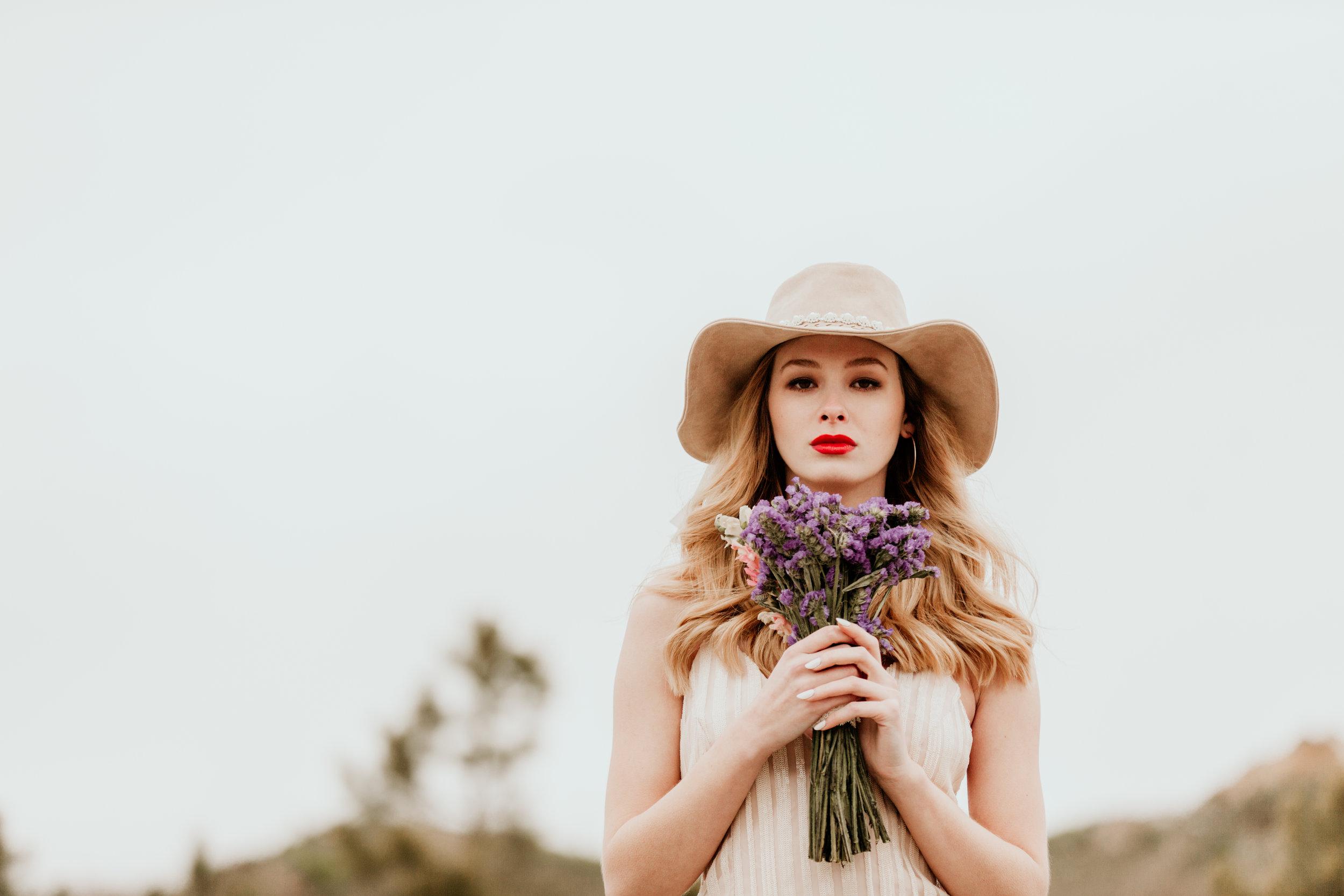 arkansas-bridal-photographer-little-rock-photography-outdoor-wedding-boho-fashion-engagement-elopement-bouquet-bride