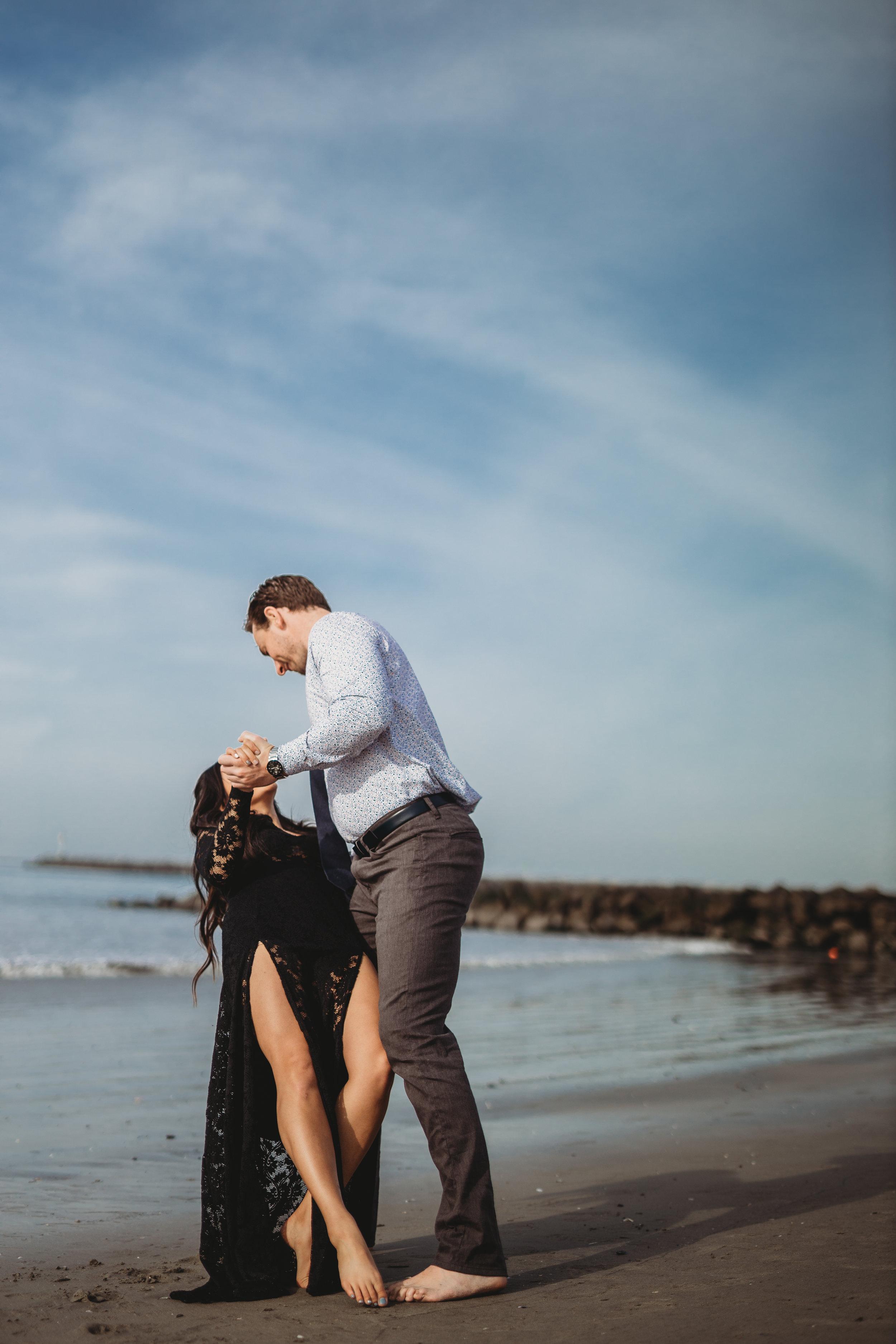 beach-couples-engagement-photoshoot-7505.jpg
