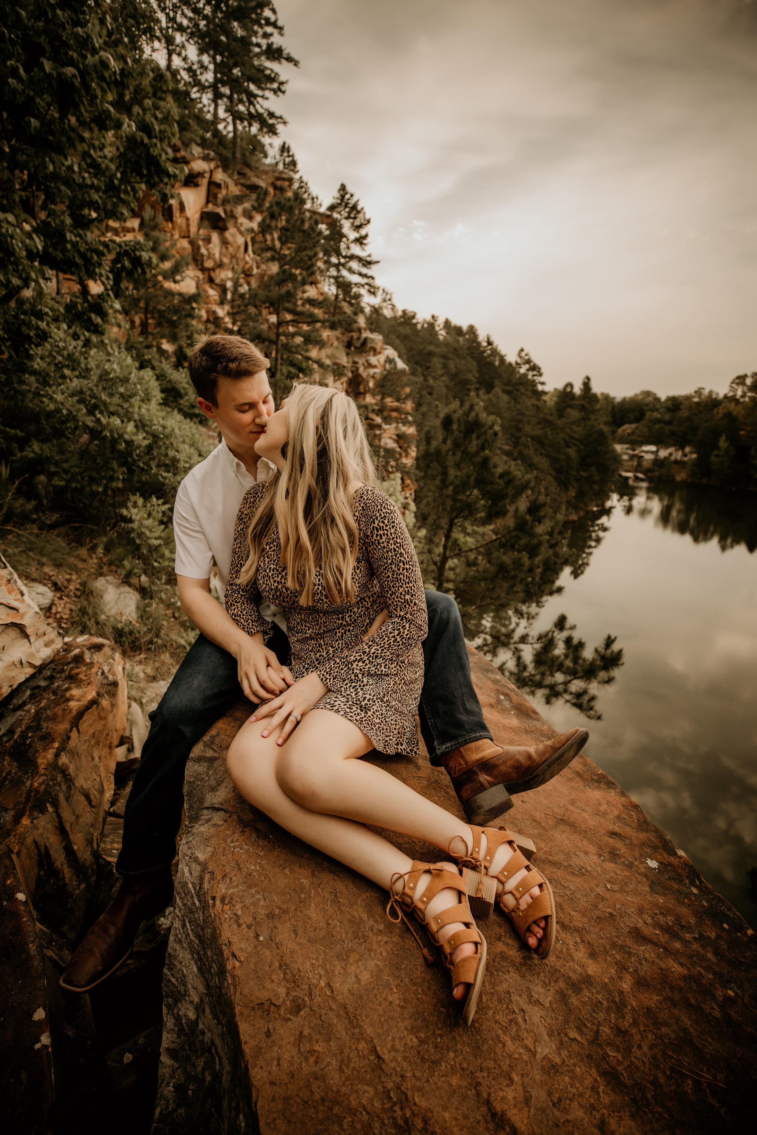 pinnacle-mountain-wedding-elopement-little-rock-arkansas-photographer-erin-venable-photography-bride-engagement-6980.jpg